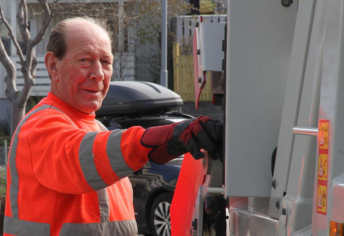 Stein Hanssen er 72 år og fortsatt i jobb.