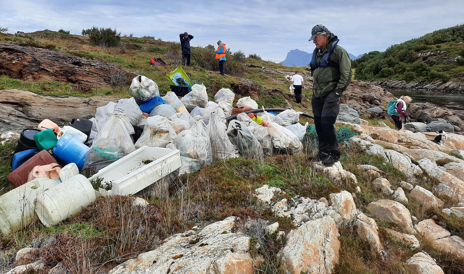 Rydder marint avfall