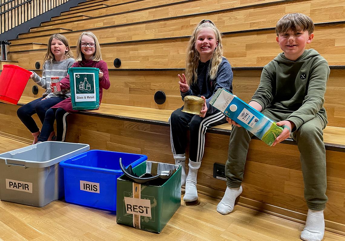 Fire elever ved SPildra skole på Ørnes