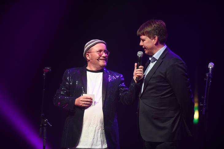 Iris-sjefen Leif Magne Hjelseng i samtale med Per Sunnes.